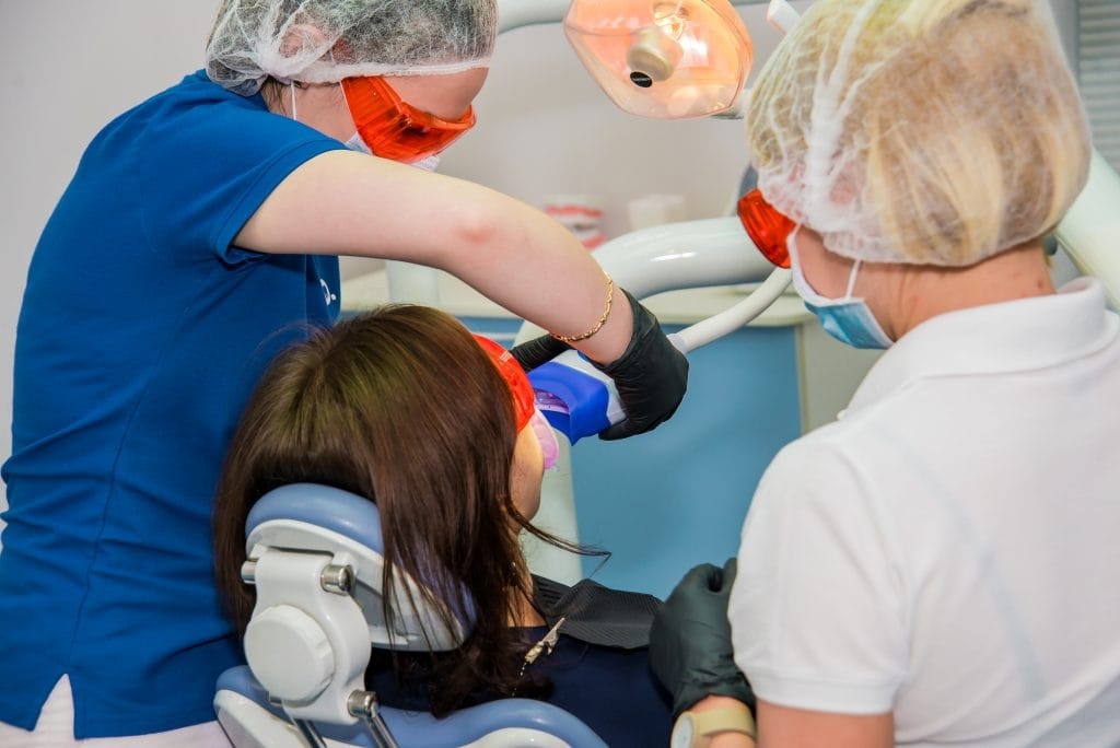 Відбілювання зубів Київ