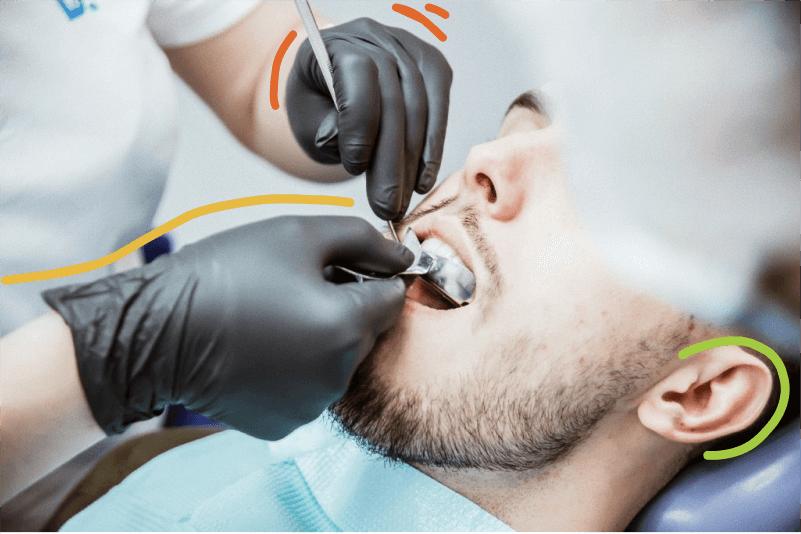 осмотр зубов на стираемость